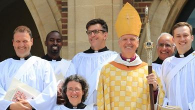 Photo of A Clergy Surplice or an Alb: Know Thy Difference!