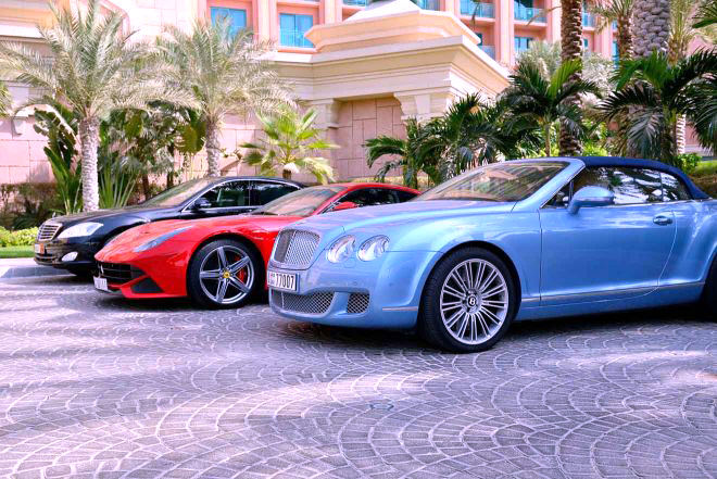Car Rental in Dubai - 3 Things to Do and Check Out