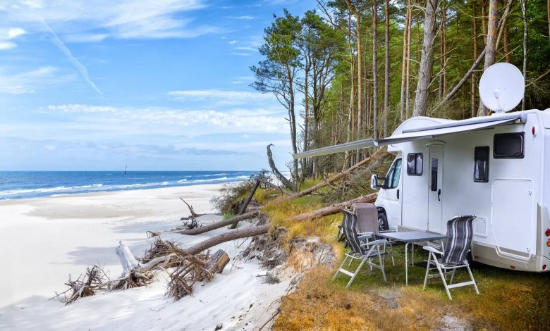 Difference between camper and motorhome